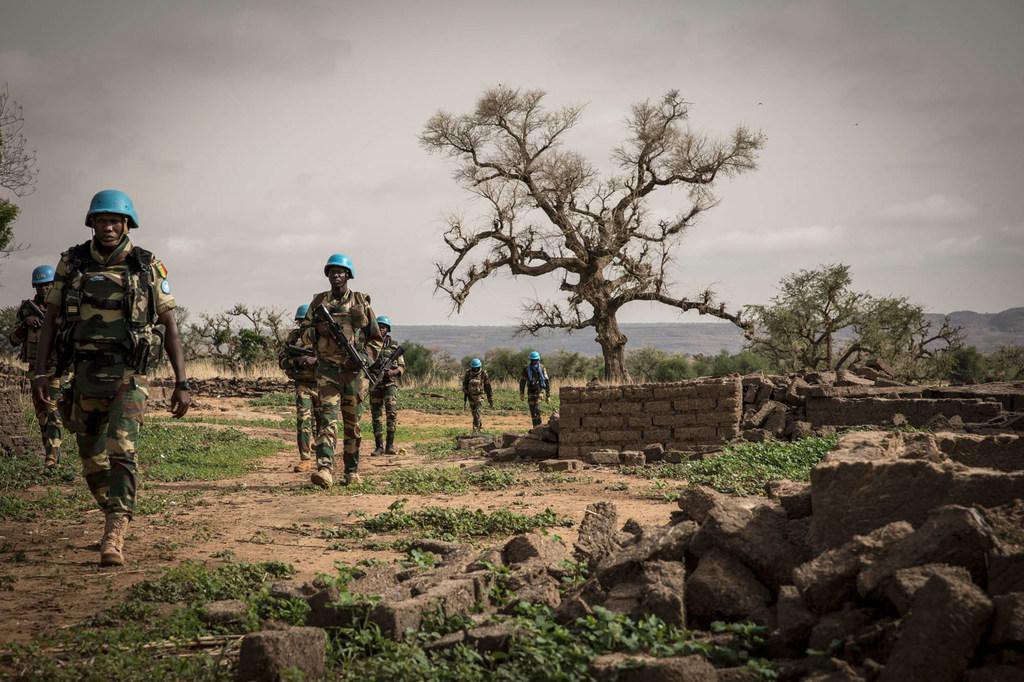 «À bas la Minusma» : dans le centre du Mali, des Casques bleus chassés par des habitants