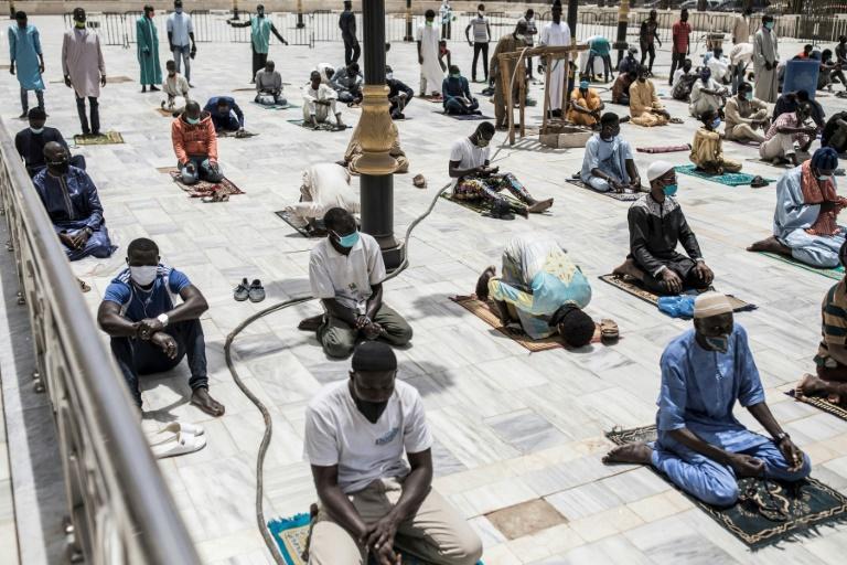 La prière collective reprend en ordre dispersé au Sénégal